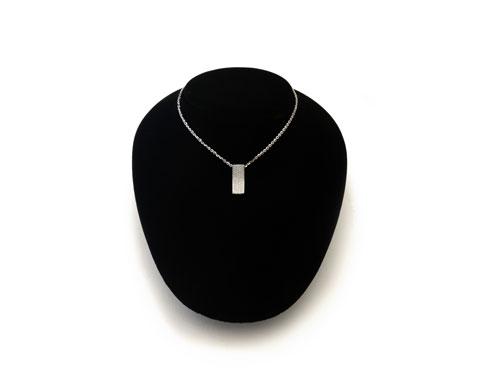 18ct Rectangular Diamond Pendant