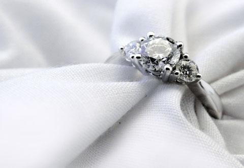 18ct White Gold 3 Stone Diam Ring