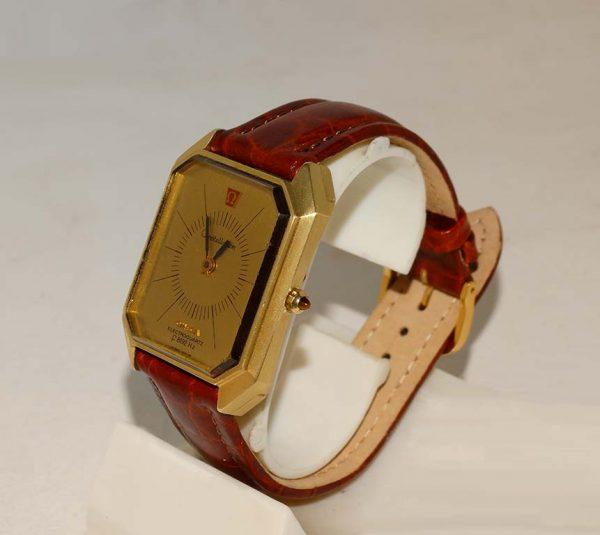 18ct Omega Electroquartz watch