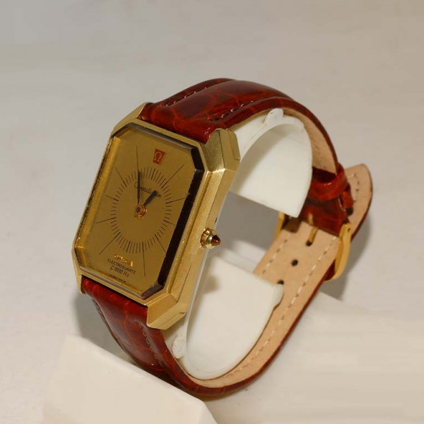 18ct Omega Electroquartz watch