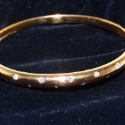 18ct Hammer Set Diamond Bangle